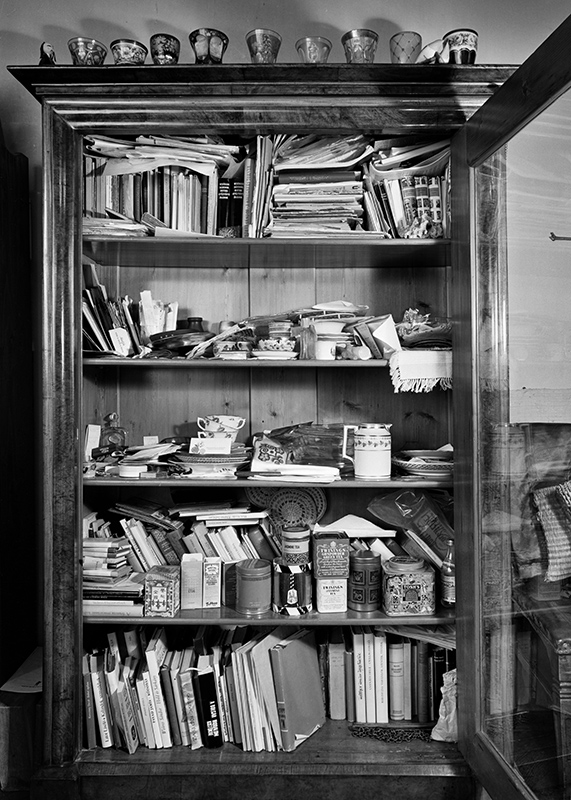 The Cupboard of the Poet Couple Sándor Weöres and Amy Károlyi (1971)