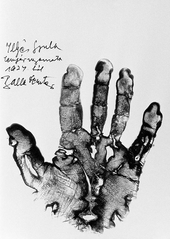 Illyés Gyula tenyérlenyomata (1974)